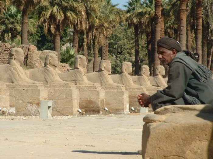 luxor-temple-man4.jpg (700×525)