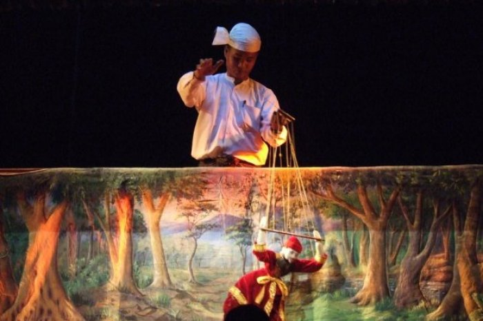 burma-mandalay-traditional-puppet-show.jpg (700×466)